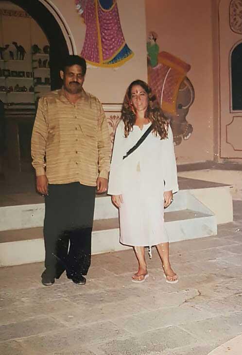 חוזרת להודו ותיכף מתחתנת